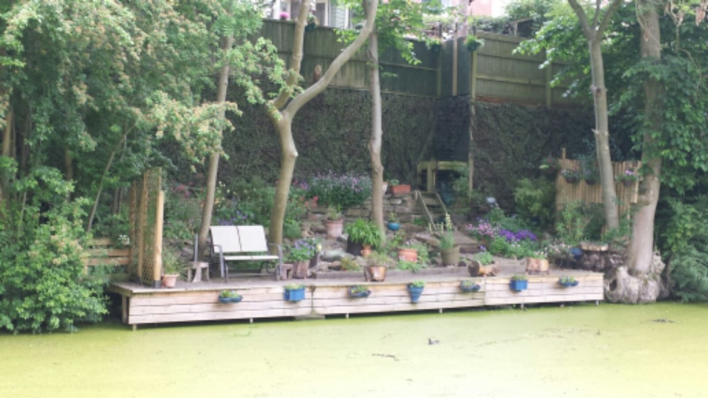Garden built down to the canal
