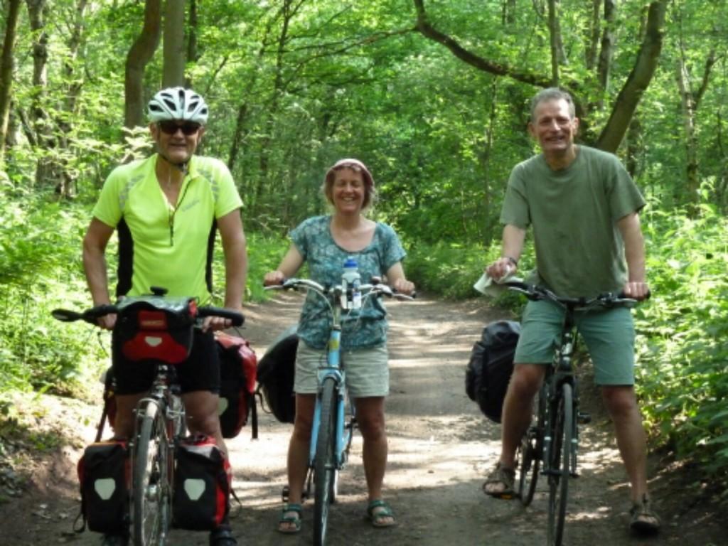 Avoiding the traffic - a detour in the woods
